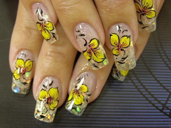 bright-yellow-flower-summer-nail-art
