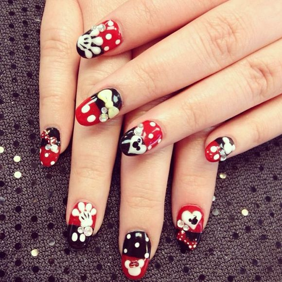 Disney Nail Art: 16 Disney Nail Art Designs & Ideas