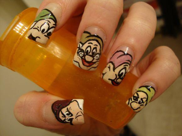 disney-nail-art-6