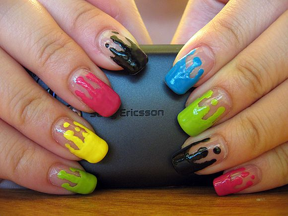 drippy nail art-bee-nail-art