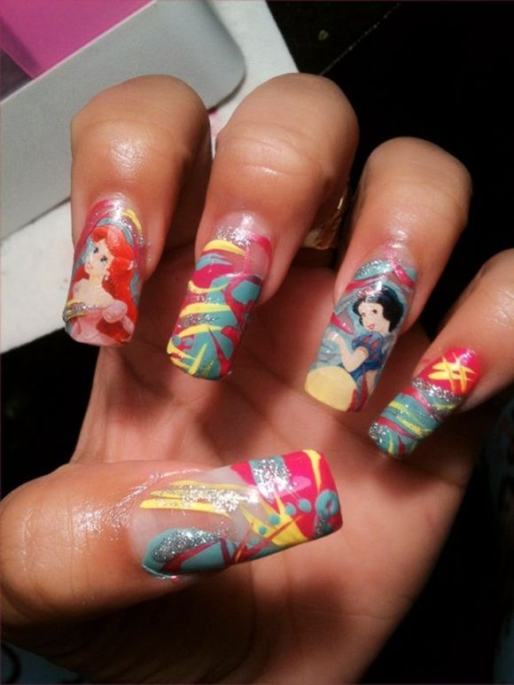 little-mermaid-disney-nail-art