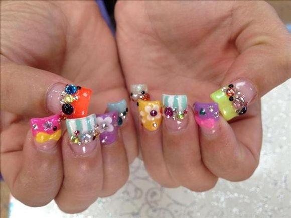 rainbow-nail-art-8