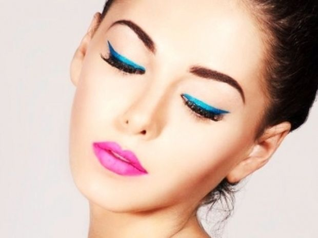bright-eyeliners eye makeup tips