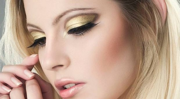 golden-eye-makeup