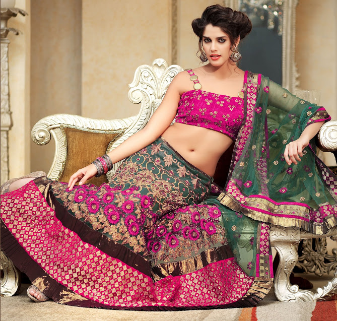 latest trends tips to buy look beautiful with designer sarees
