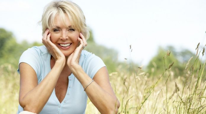 Two Fashion And Beauty Tips For Aging Gracefully