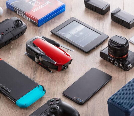 Top 10 Travel Gadgets to Get For Your Vacation